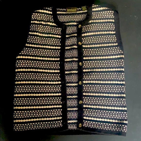 Timberand Vest. B&W pattern Textured and cozy